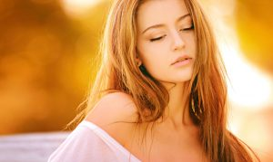 Golden Highlights on Long Blonde Hair,